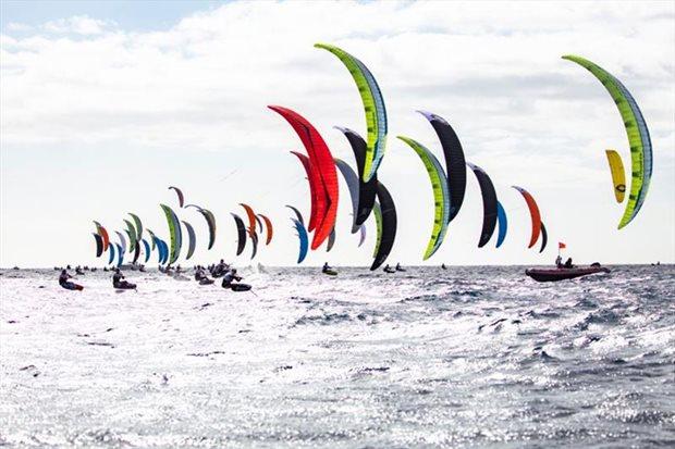 kite-foil-mistrovstvi-evropy-na-kanarach